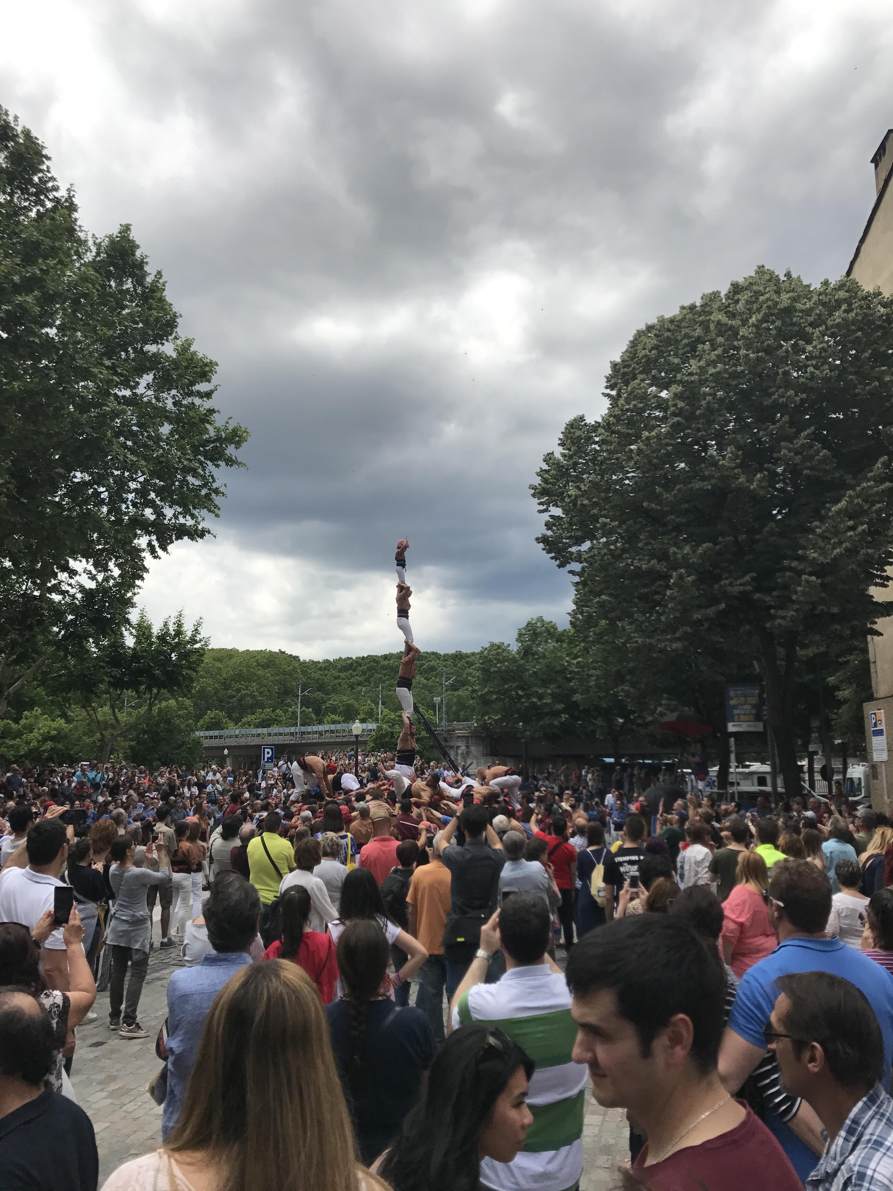 Stavění lidské věže v Gironě