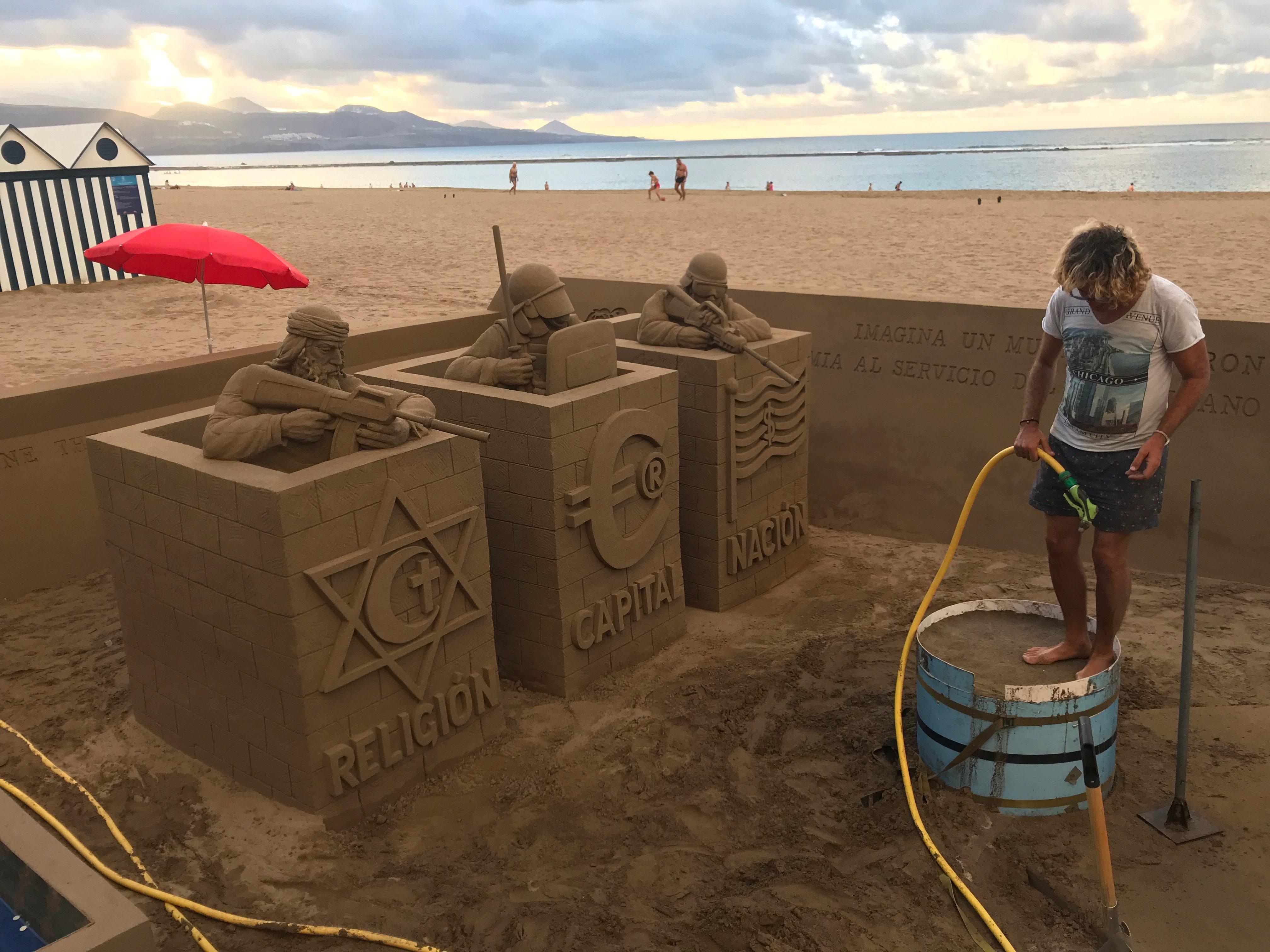 Umění písečných sochařů v Las Palmas de Grand Canaria