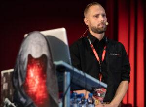 Přednášky o IT bezpečnosti a hackingu